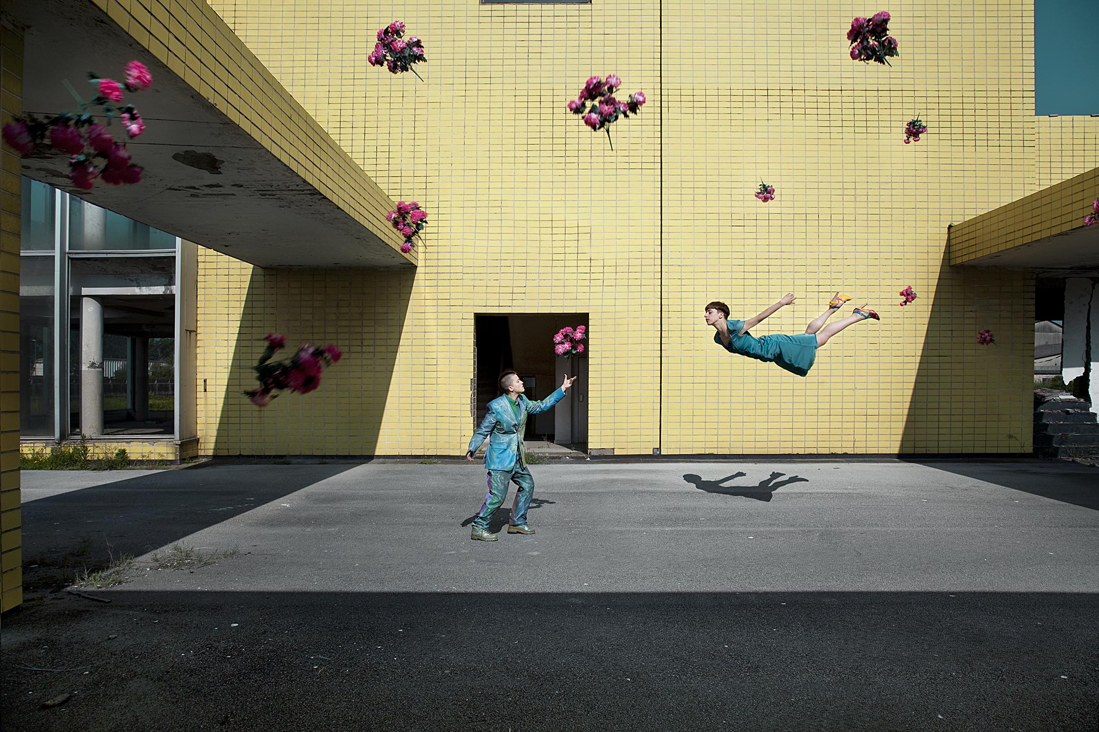 Promise of gravity-100cm x 150cm – Print on FineArt Baryta Hahnemühle / dibond-©2011 – Edition of 5-Finalist Celeste prize 2011