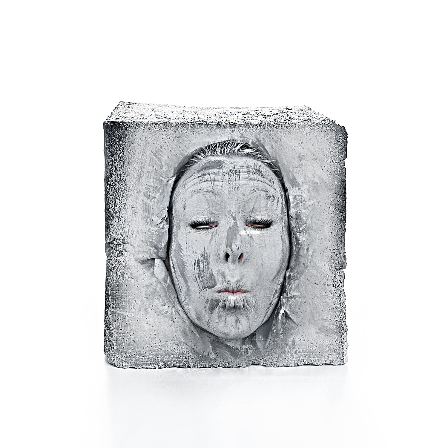 We need a face 2-40cm x 40cm – PRINT ON TRANSPARENT FILM MOUNTED ON PLEXIGLASS / LIGHTBOX-© 2011 – Edition of 5