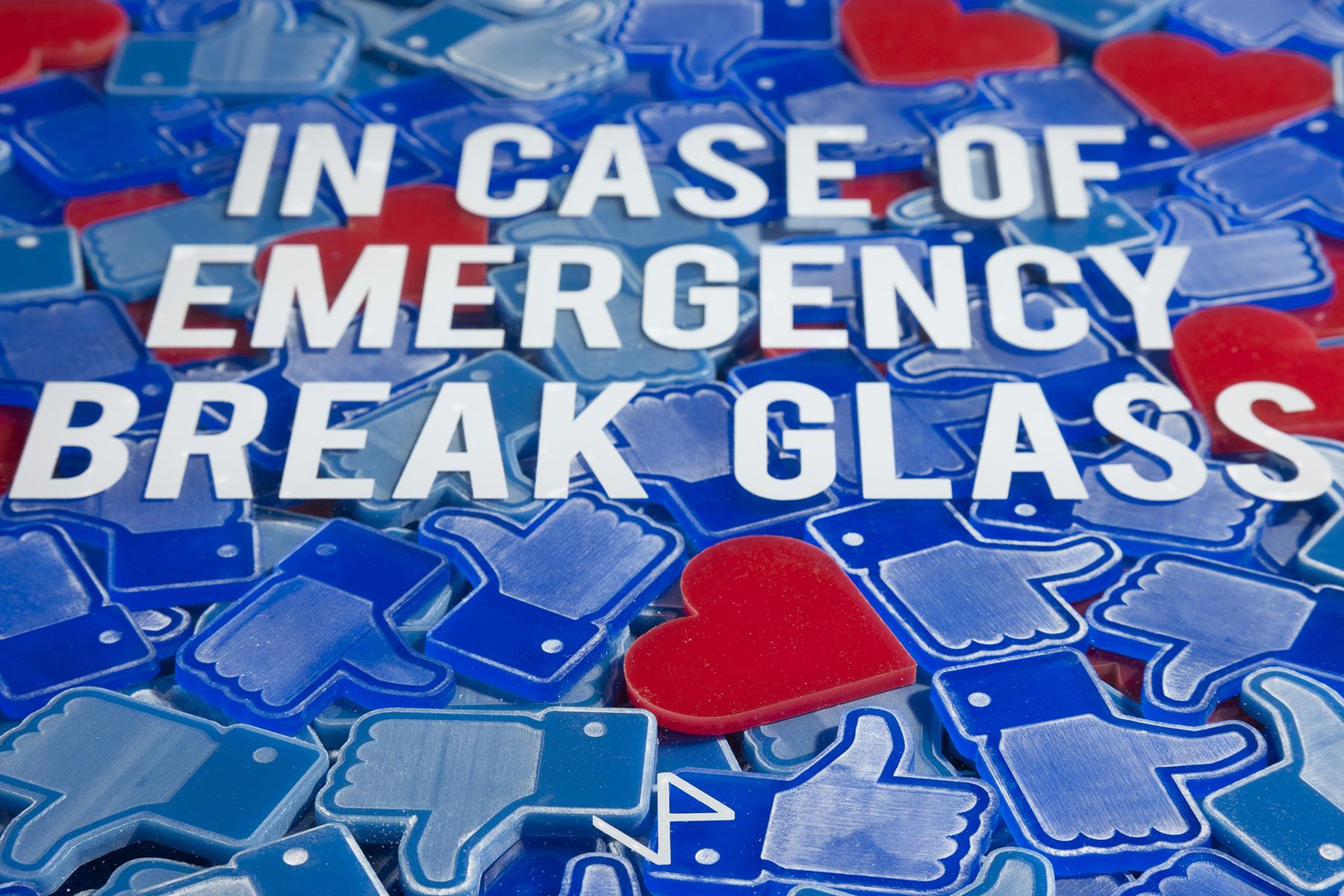 Emergency Likes-85cm x 85cm x 10cm-Alluminio, vetro, ferro, plexiglass, smalto industriale, stampa uv-©2018 – Edition of 1